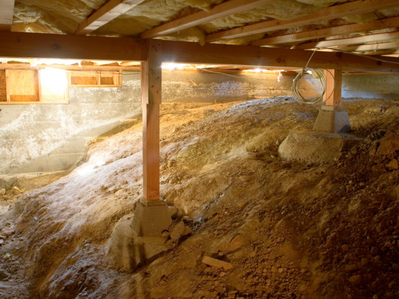Crawl space vapor barriers and encapsulation hgtv for How to build a crawl space foundation for a house