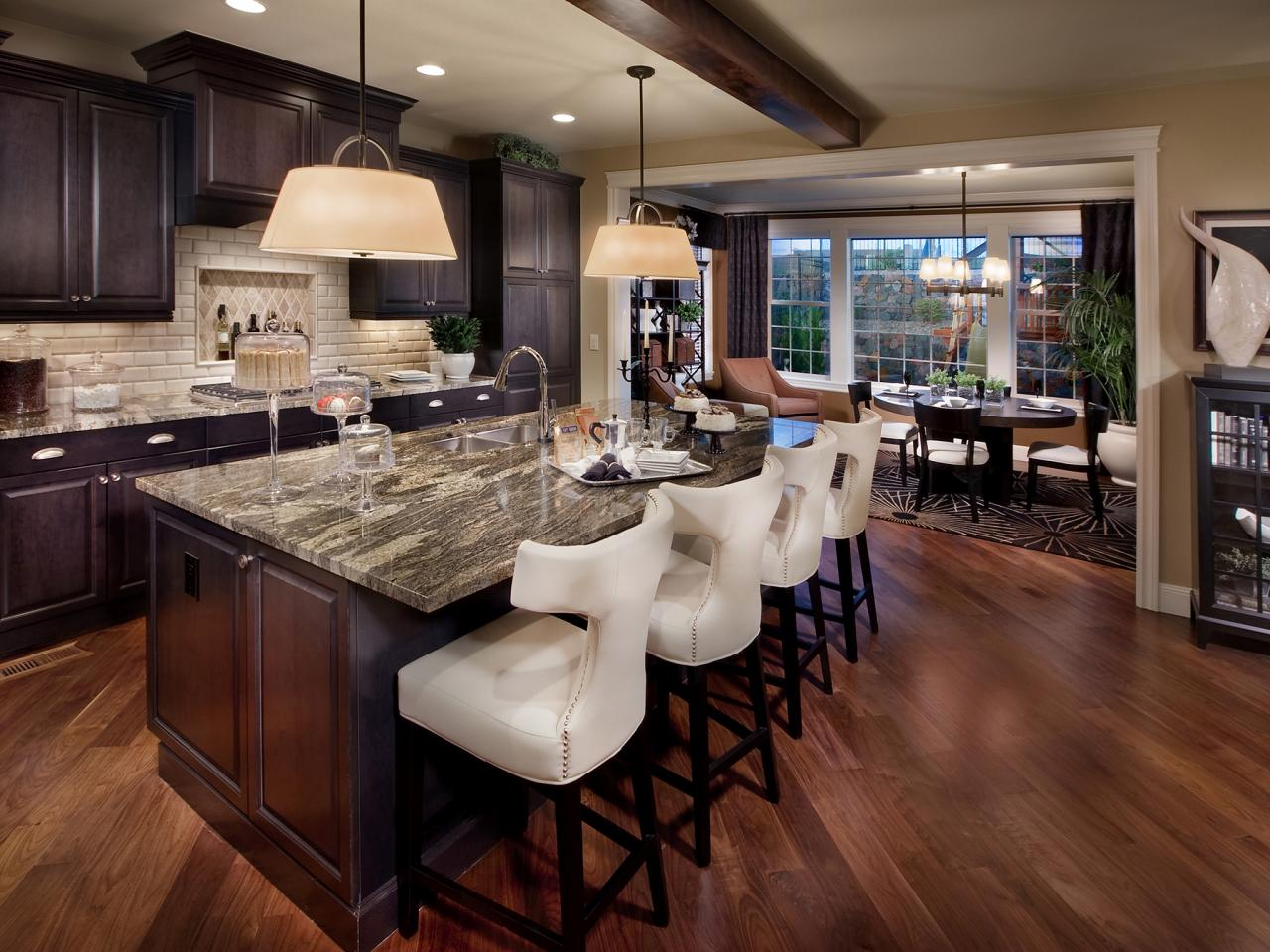 Black kitchen islands kitchen designs choose kitchen for Hgtv kitchens
