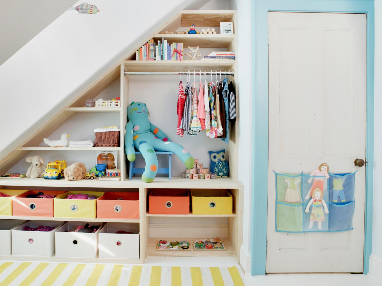 Maximize small space storage hgtv Maximize a small bedroom