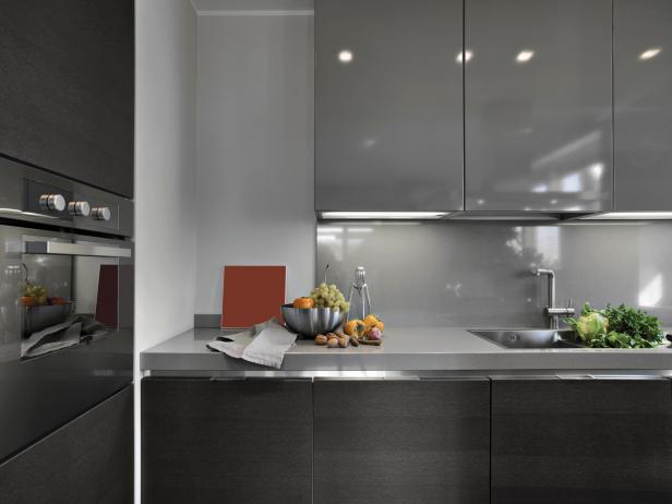 Gray Modern Kitchen