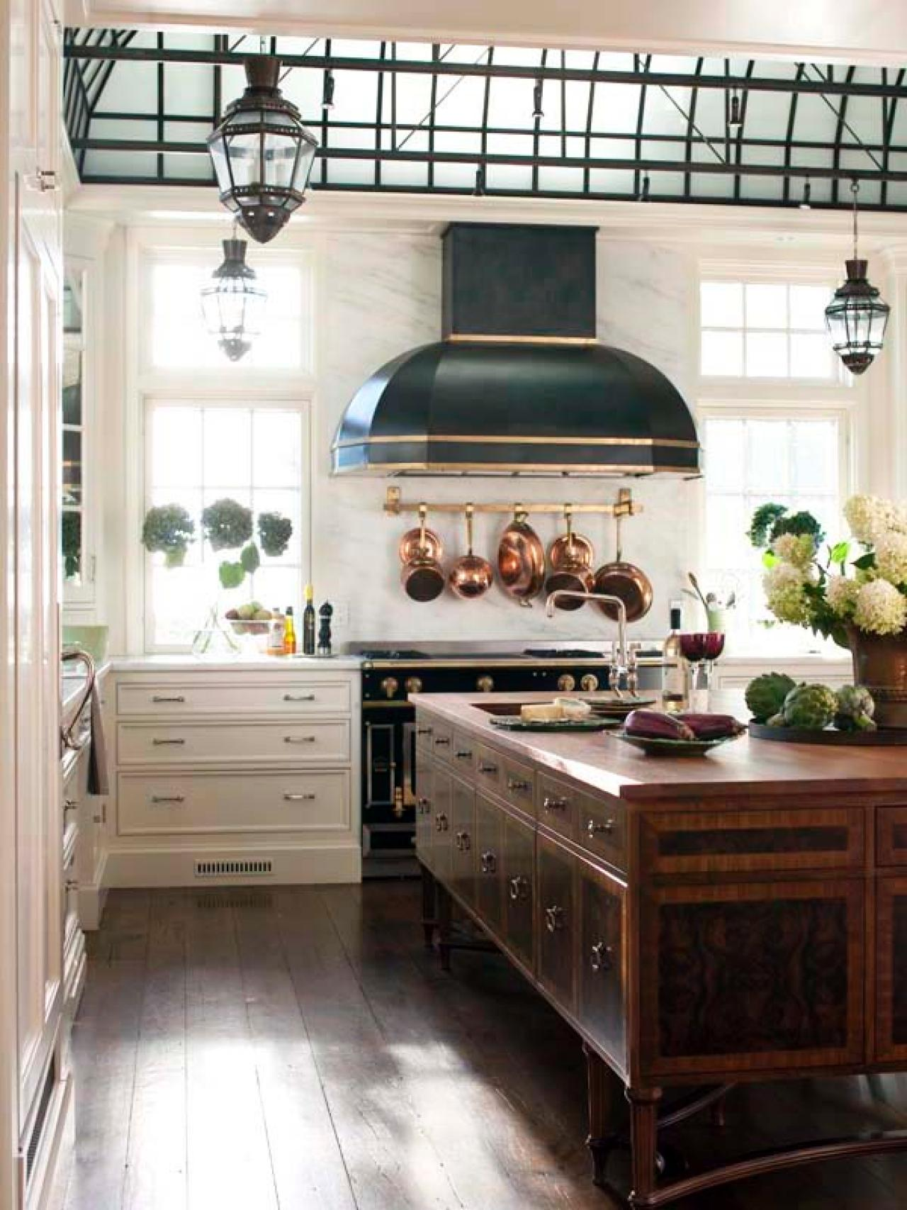 Old world kitchen designs photo gallery - Old World Craftsmanship