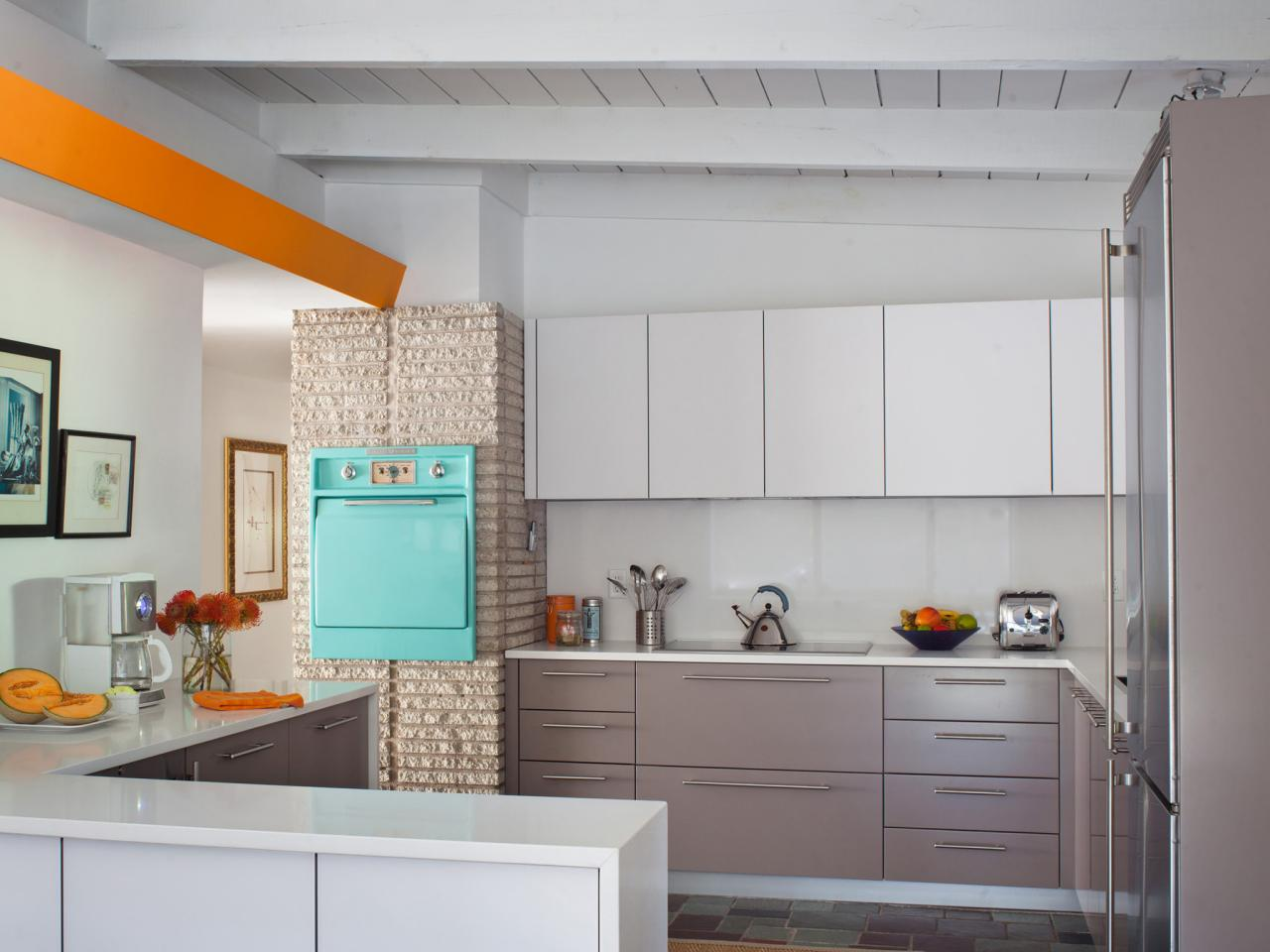 Midcentury Modern Kitchens | HGTV