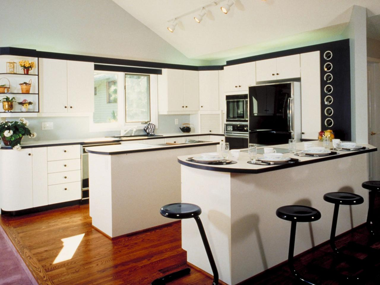 White kitchen islands hgtv for Small kitchen designs with island