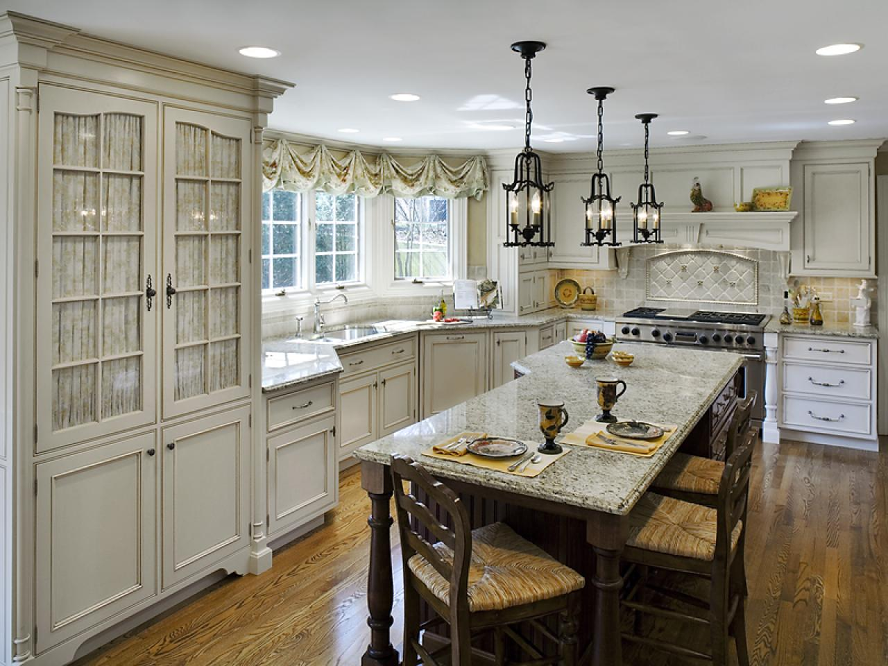 maximized cabinet storage - In Style Kitchen Cabinets