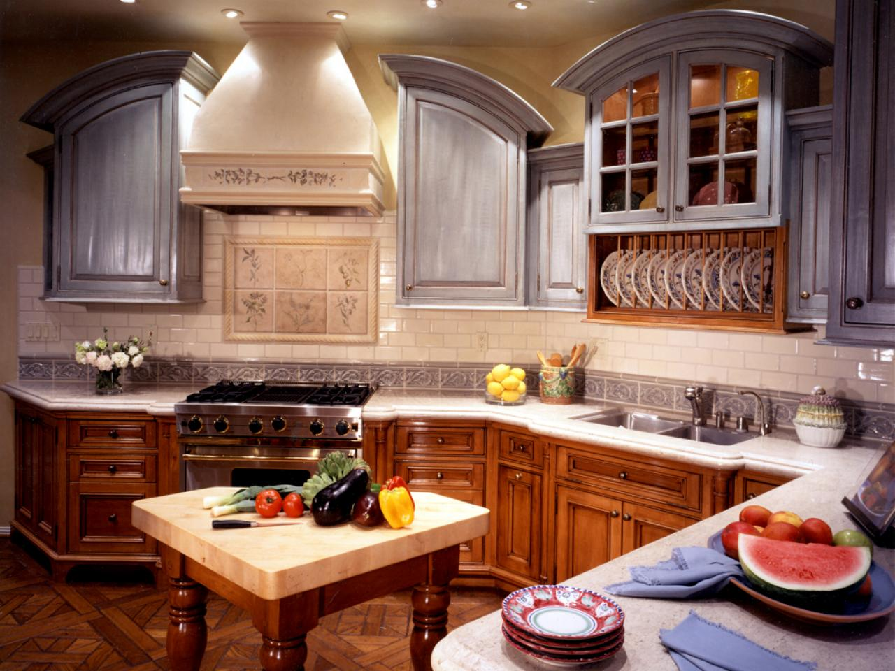 glass kitchen cabinet doors - In Style Kitchen Cabinets