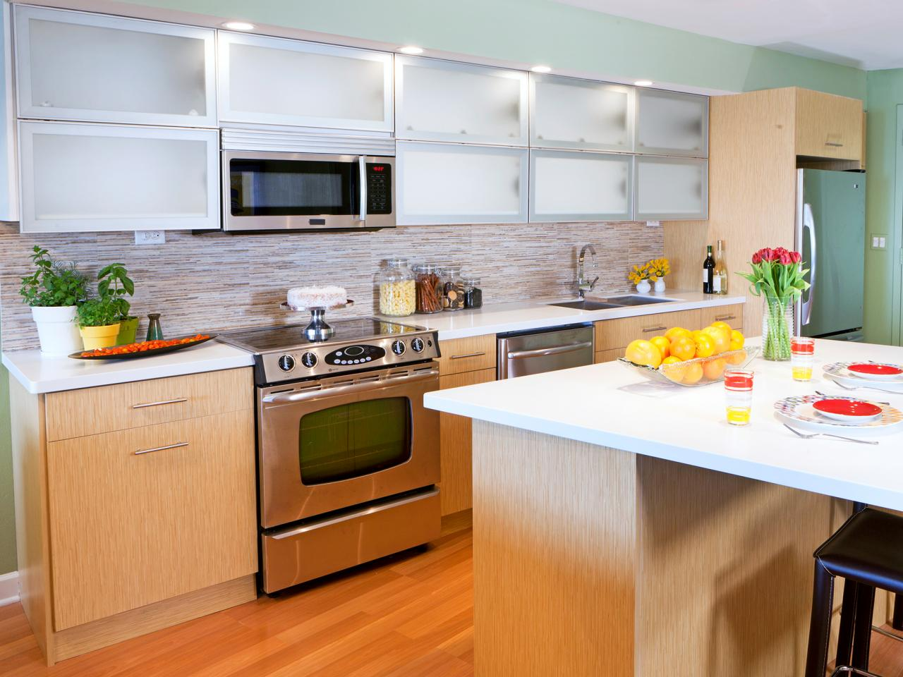 Painting kitchen cabinets pictures options tips ideas for Kitchen cabinets designs photos