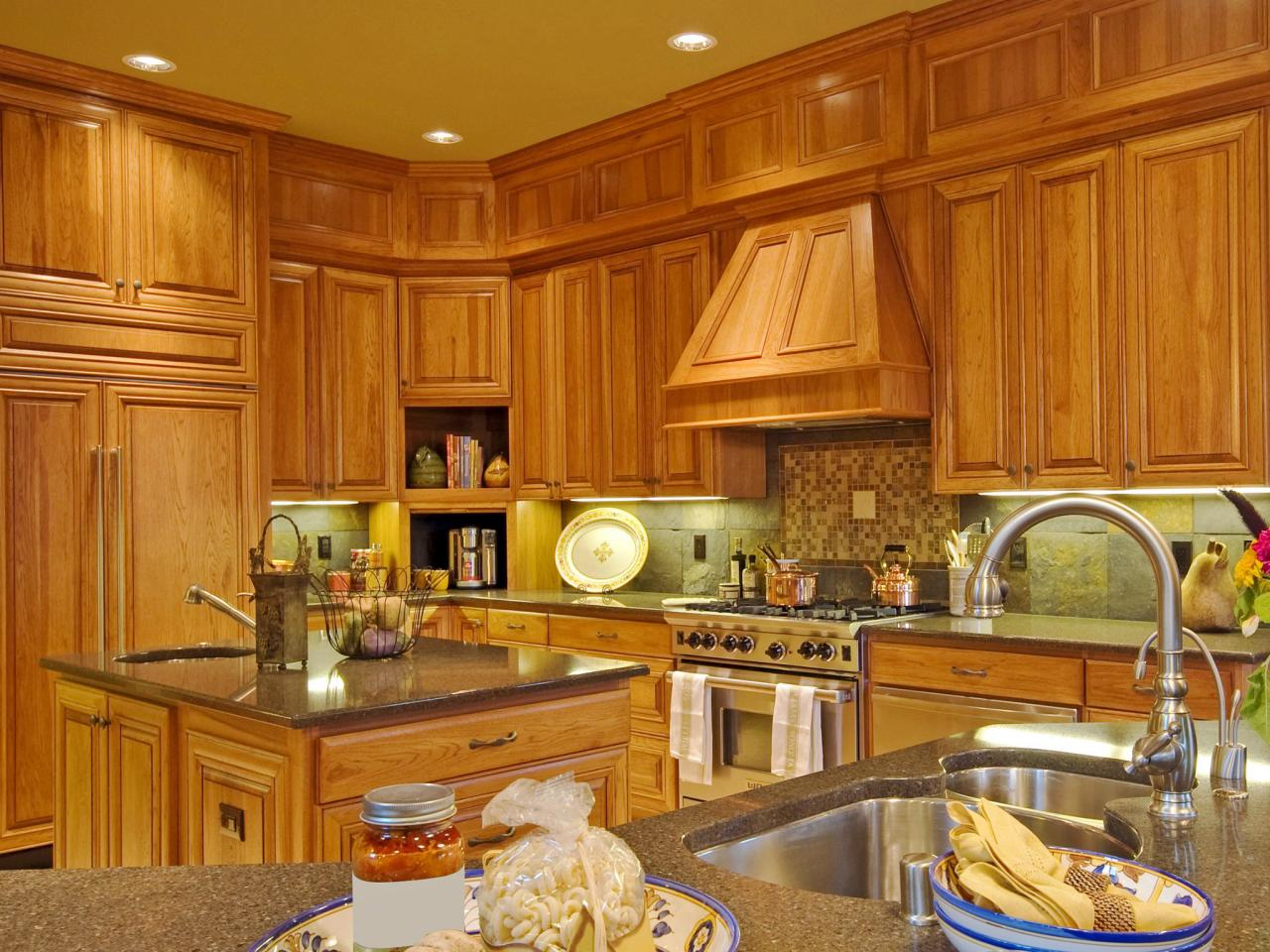 oak kitchen cabinets - In Style Kitchen Cabinets