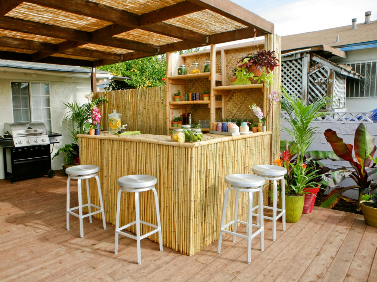Backyard Kitchen And Bar : Outdoor Kitchen Bar Ideas Pictures, Tips & Expert Advice  Outdoor