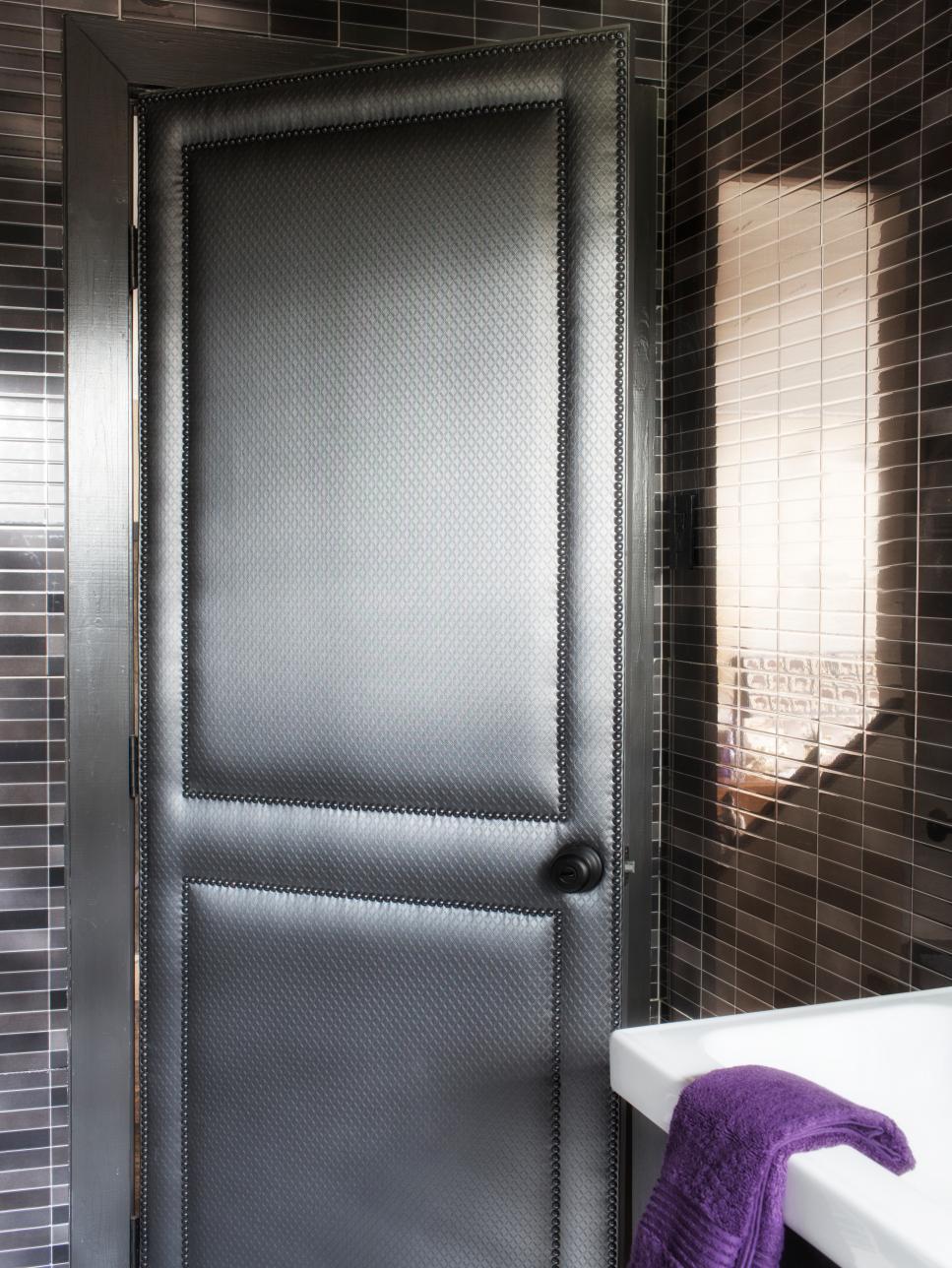 Modern Small-Bath Makeover | HGTV