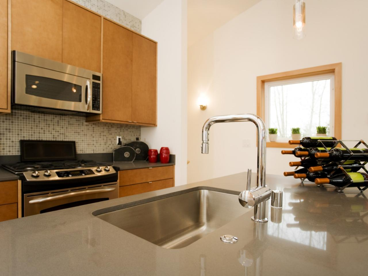 Kitchen Countertops Laminate : Laminate Kitchen Countertops: Pictures & Ideas From HGTV HGTV