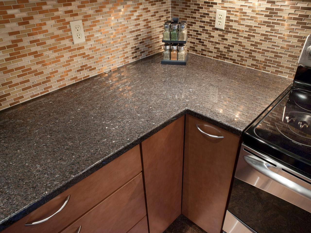 Granite countertop colors hgtv for Kitchen countertops