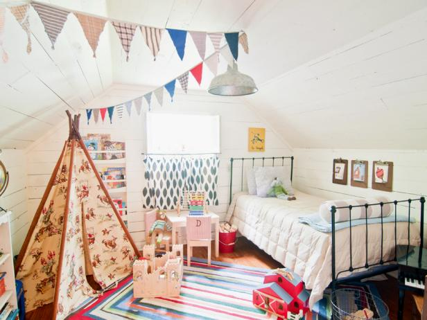 Original_Holly-Mathis-White-Kids-Room-Tent_s4x3