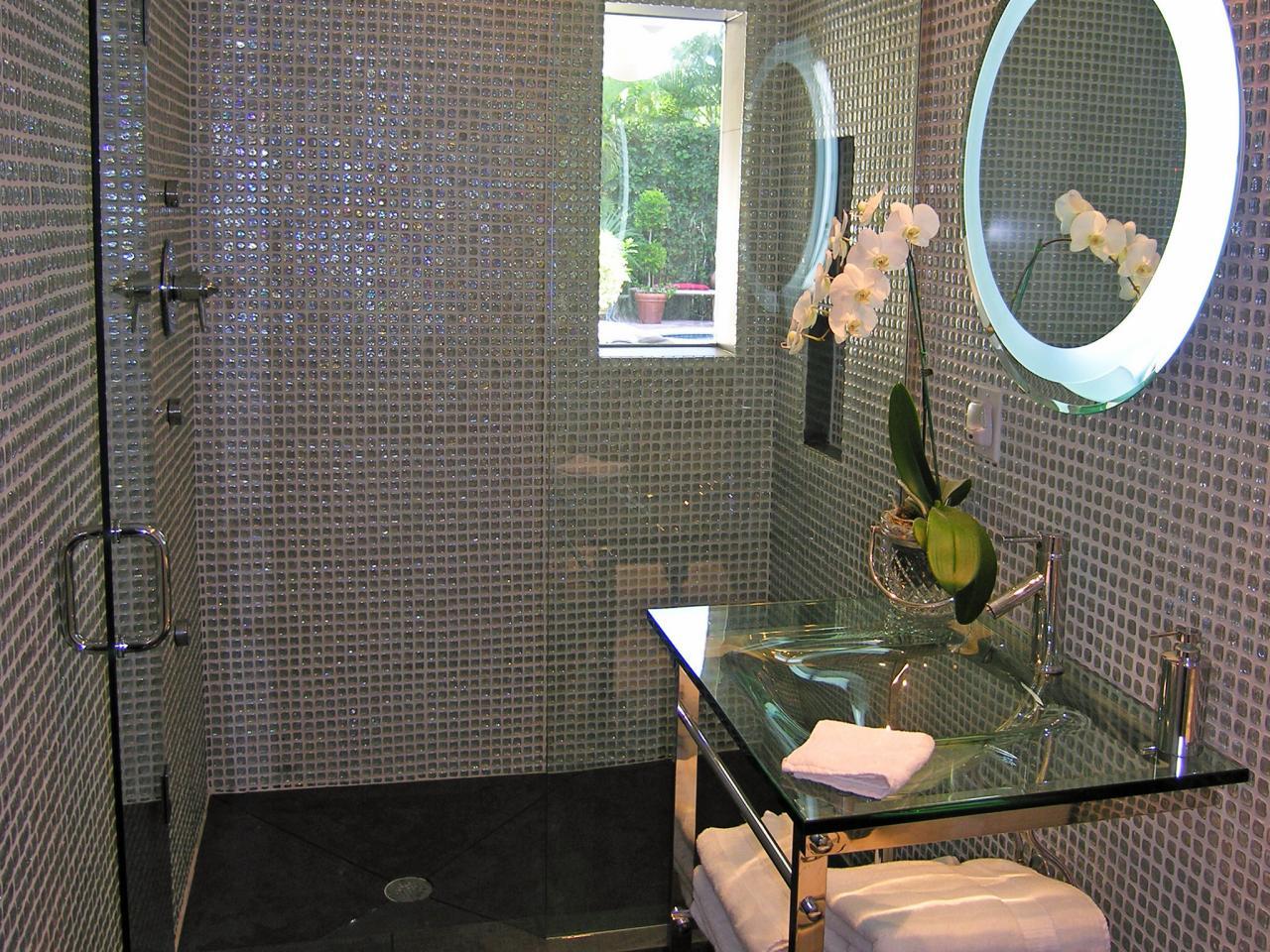 Three quarter bath hgtv for Plan my bathroom