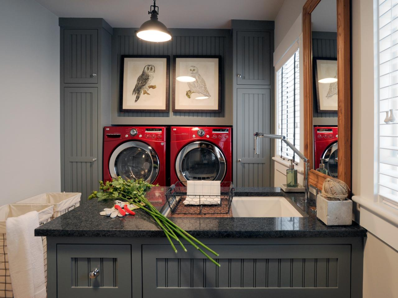 Laundry room layouts pictures options tips ideas hgtv - Laundry room design ideas ...