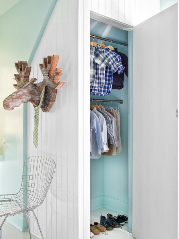BPF_original_boys-bedroom-to-grow-into_open-closet-doors_3x4