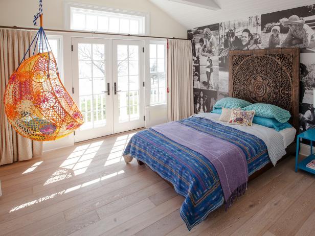 HHBN207_Eclectic-Bedroom-Photo-Wallpaper-Orange-Chair_4x3