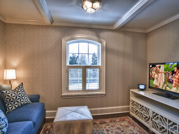 CI-Curve-Appeal-home-control-traditional-sitting-room_s4x3