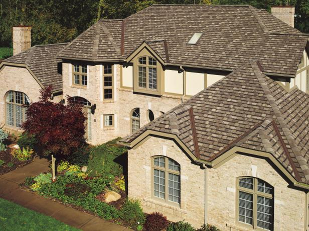 CI-GAF-Roofing-exterior-buying-guide-old-world-stone-house_s4x3