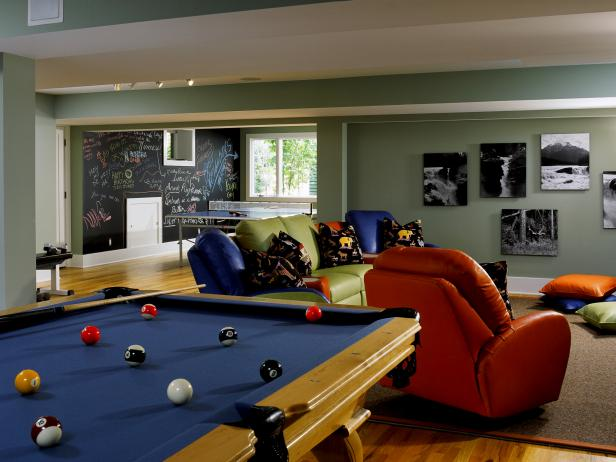 Kids 39 media rooms pictures options tips ideas hgtv for Teenage playroom design ideas