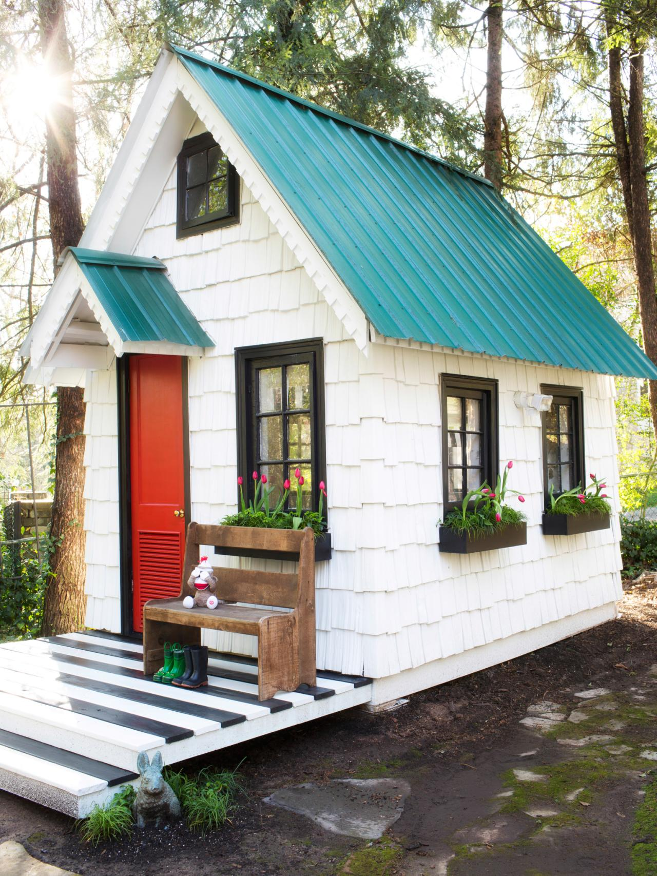 ^ Give Your Backyard an Upgrade With hese Outdoor Sheds ...