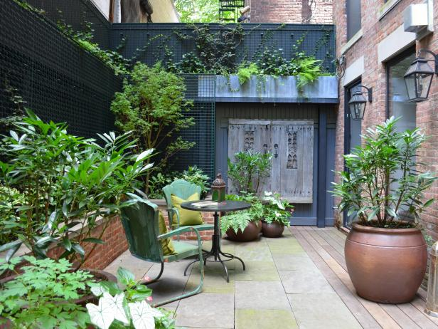 Urban Garden Ideas 09277e8a87862fdb2c65e89078b55303 18 Tiny But Mighty Yards Balconies Rooftop Patios