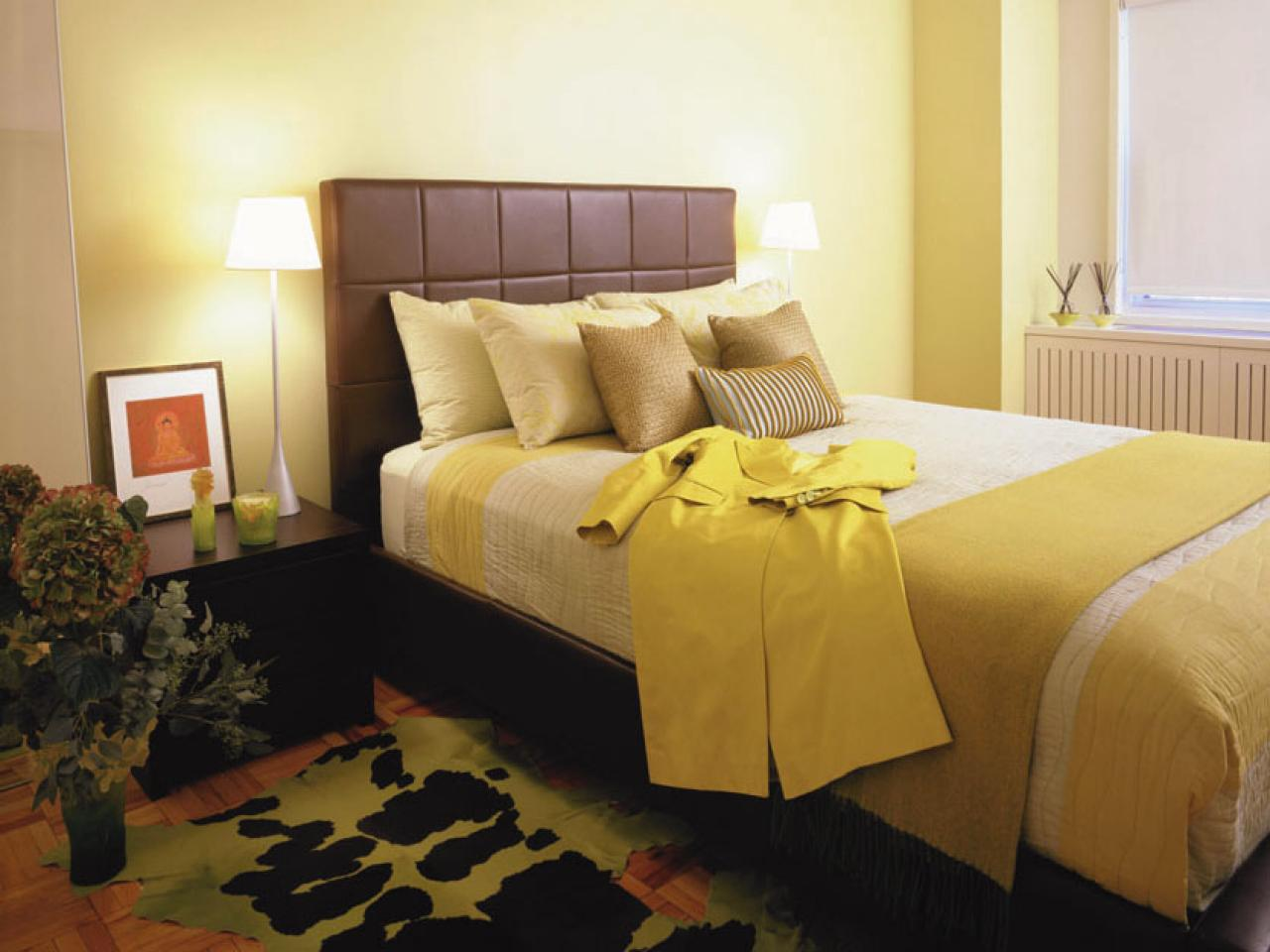 Master bedroom color combinations pictures options ideas hgtv Master bedroom with yellow walls