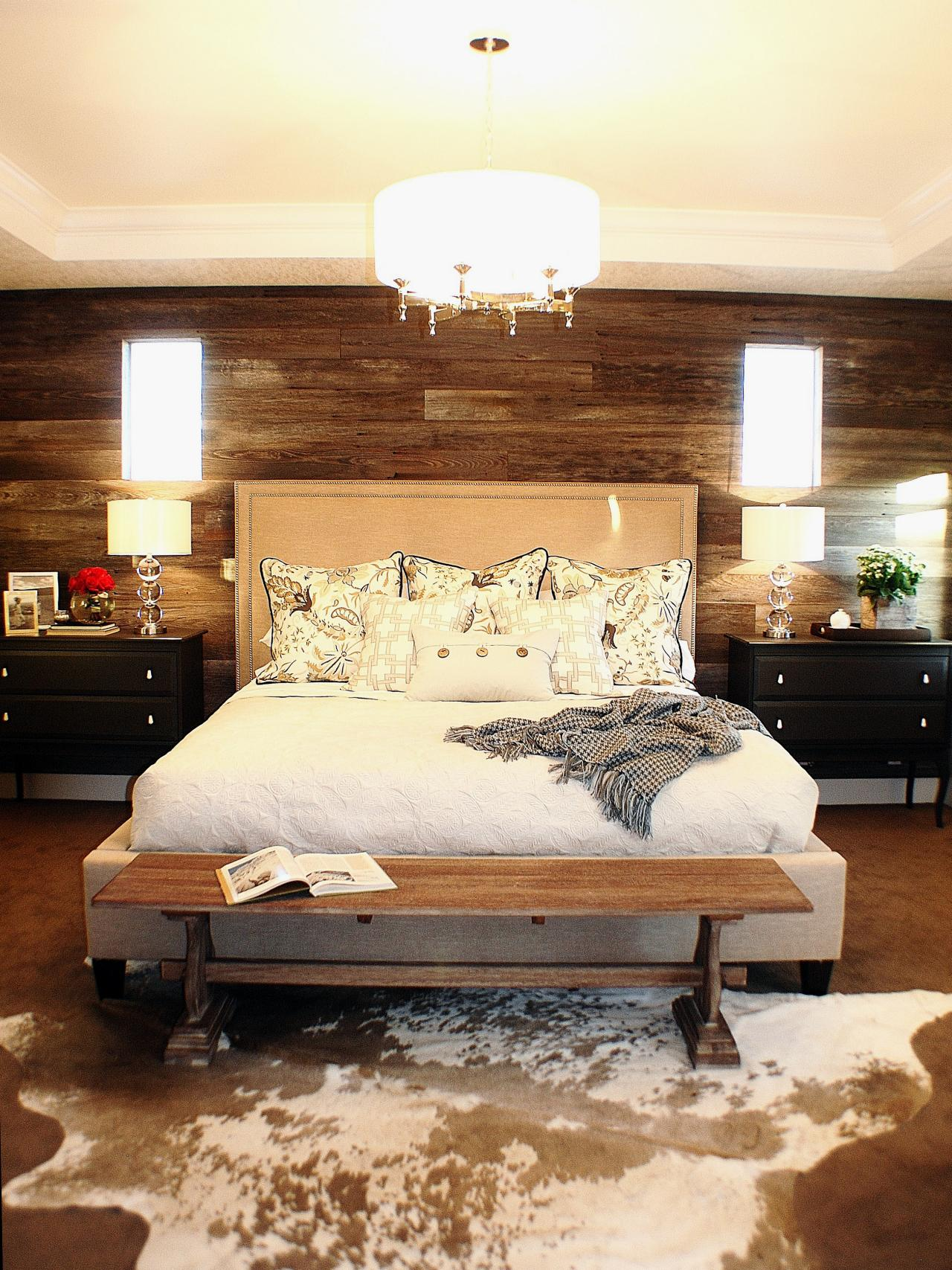 Photos hgtv Modern chic master bedroom