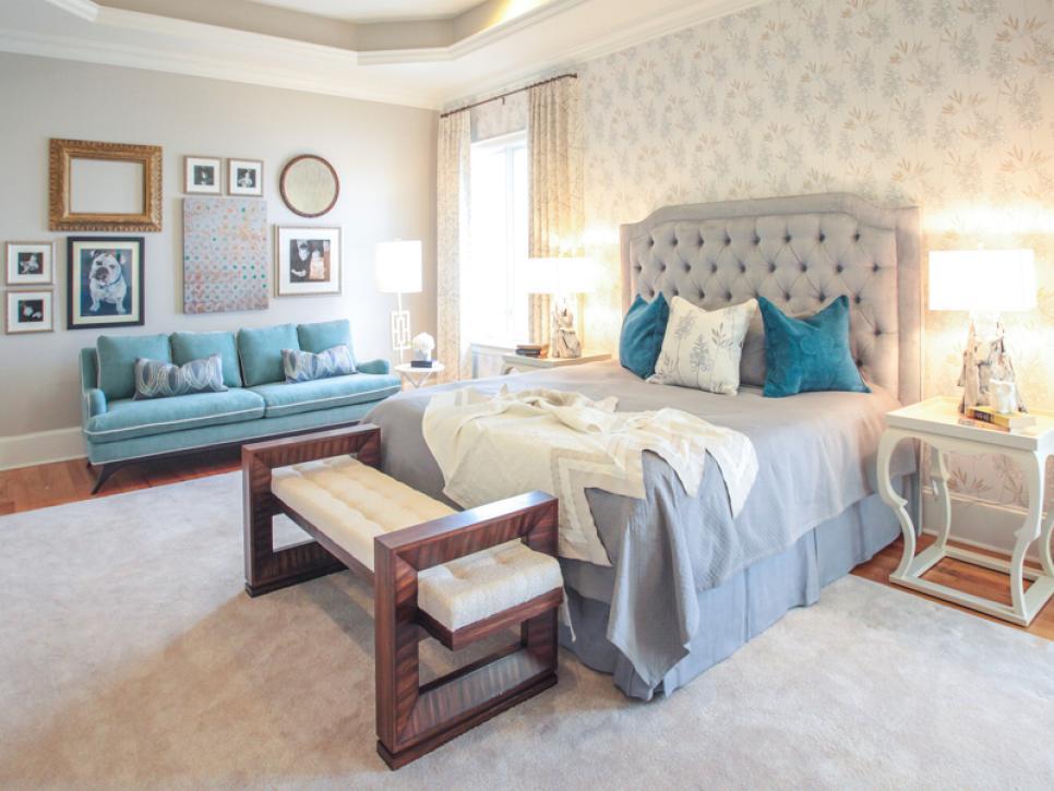 Build a better bedroom hgtv - Sofa para dormitorio ...