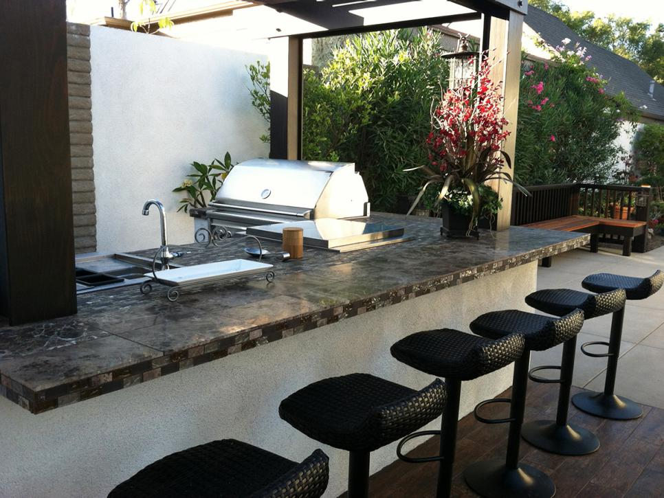 Pictures of outdoor kitchen design ideas inspiration hgtv for Kitchen inspiration ideas