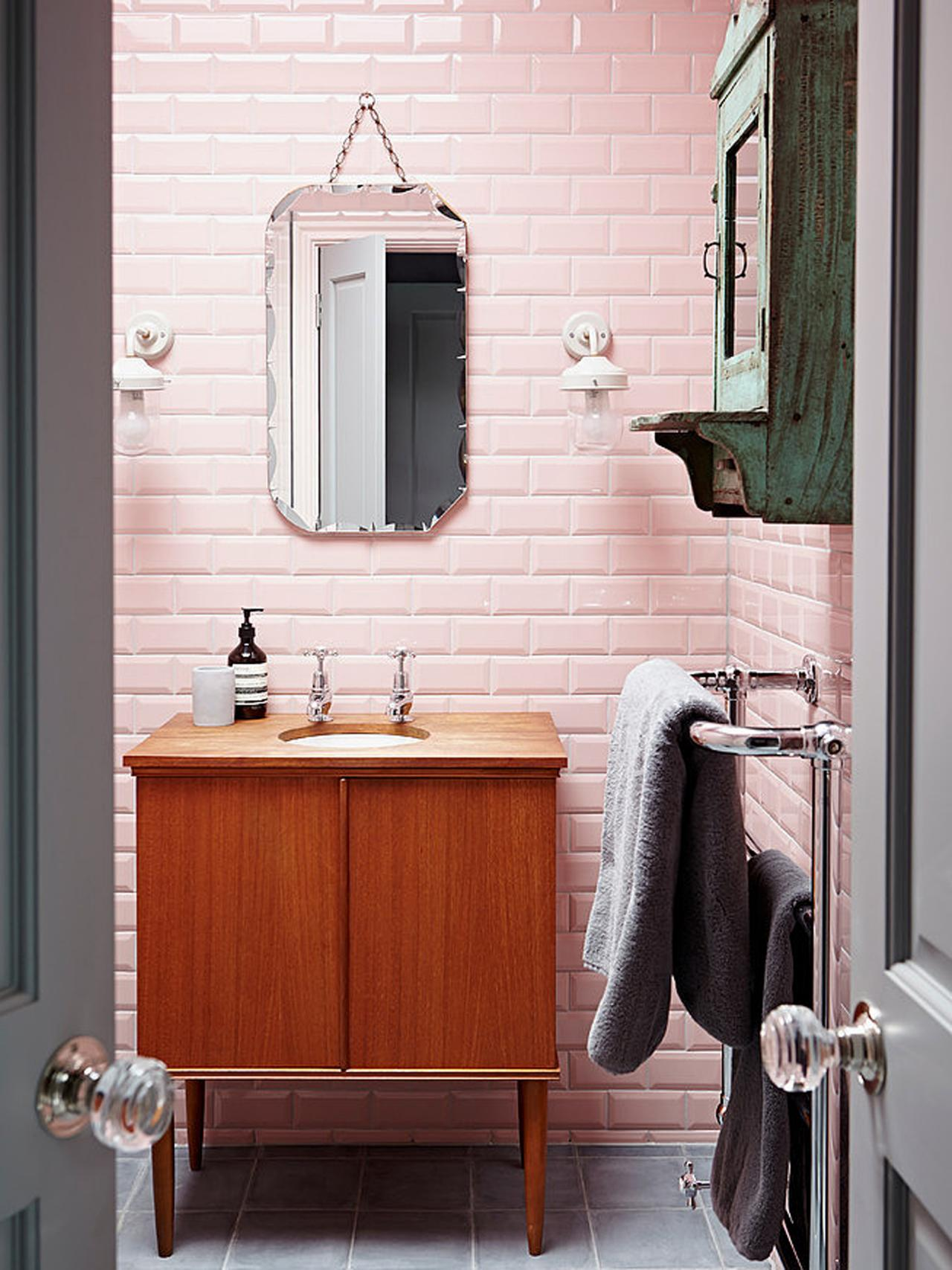 Reasons To Love Retro Pink Tiled Bathrooms Hgtv S Decorating Design Blog Hgtv