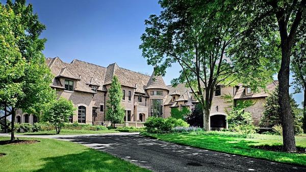 RX - Lucious Lyon's Mansion Exterior