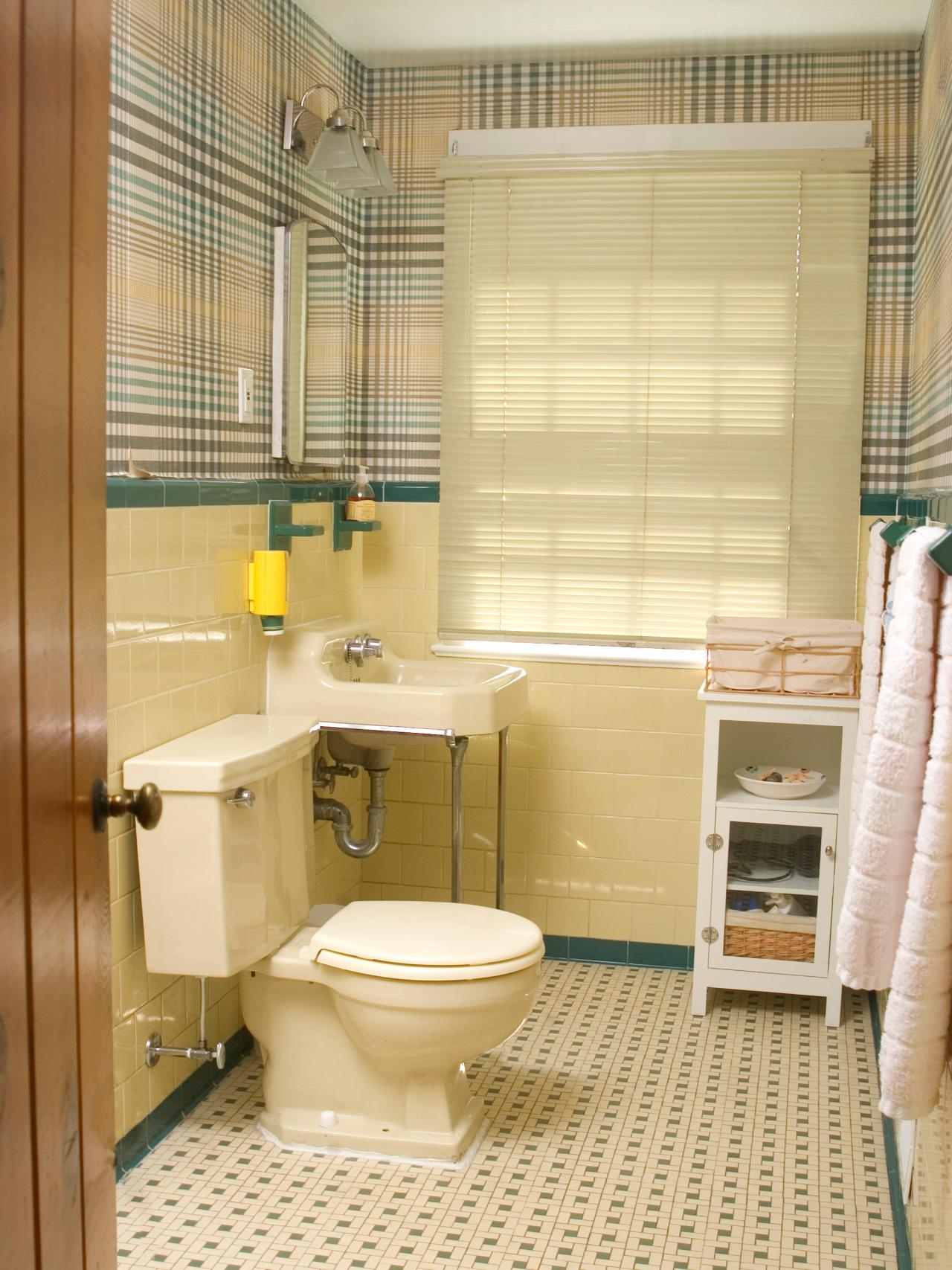 Redecorating a 39 50s bathroom hgtv for Bathroom ideas yellow tile
