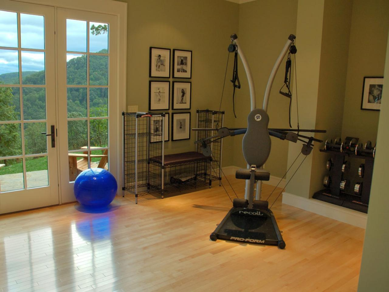 Serene exercise rooms decorating and design ideas for Home gym decor ideas