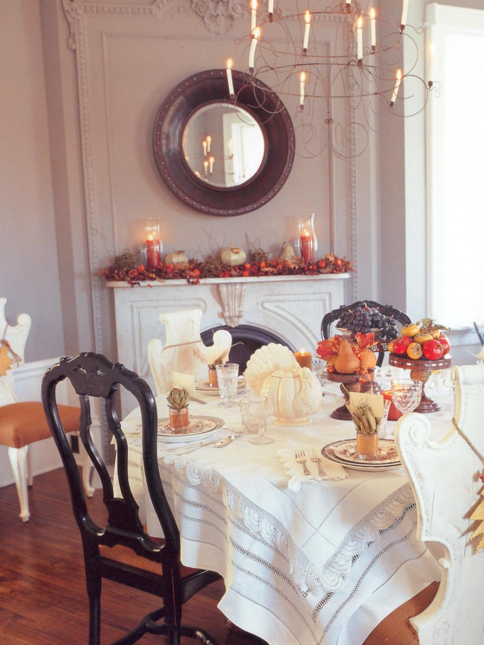 Traditional thanksgiving decorating ideas hgtv How to decorate your house for thanksgiving