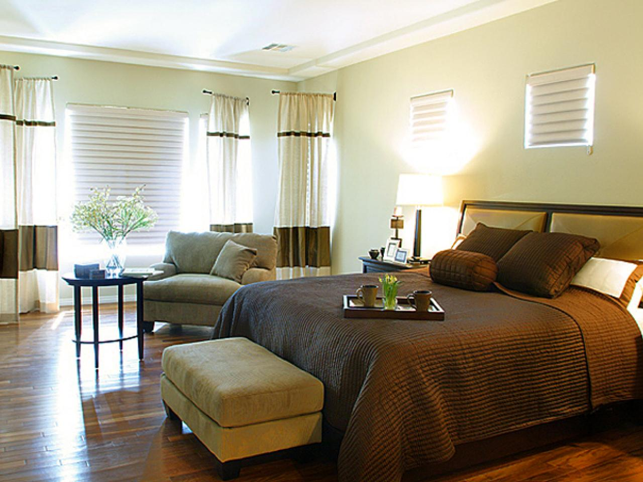 Designer Tips for an Ideal Bedroom Layout