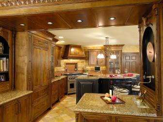 Gorgeous Mediterranean Kitchen With Neutral Granite Countertops