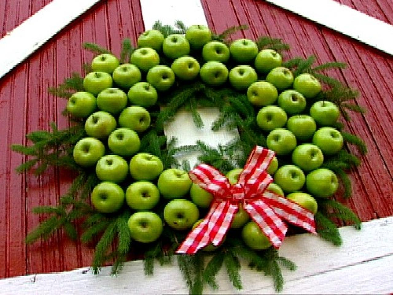 How to make a fresh christmas wreath - Apple Holiday Wreath
