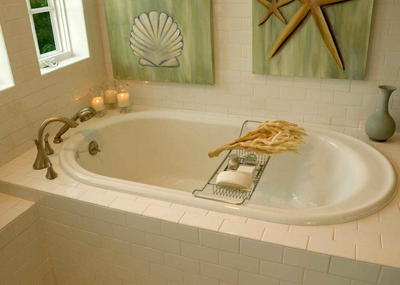 Remodeling tips for the master bath hgtv for Master bathroom jacuzzi