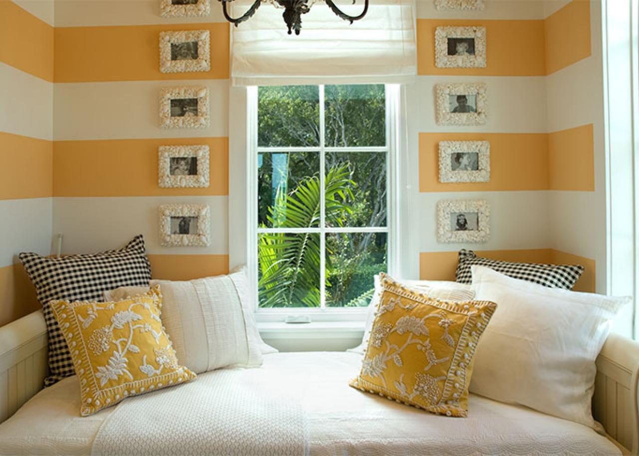 10 dreamy daybeds we adore bedrooms bedroom decorating ideas hgtv. Black Bedroom Furniture Sets. Home Design Ideas