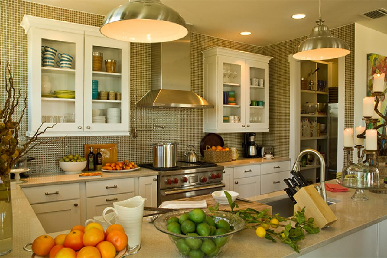 U shaped kitchen with peninsula hgtv pictures ideas hgtv for Hgtv kitchens
