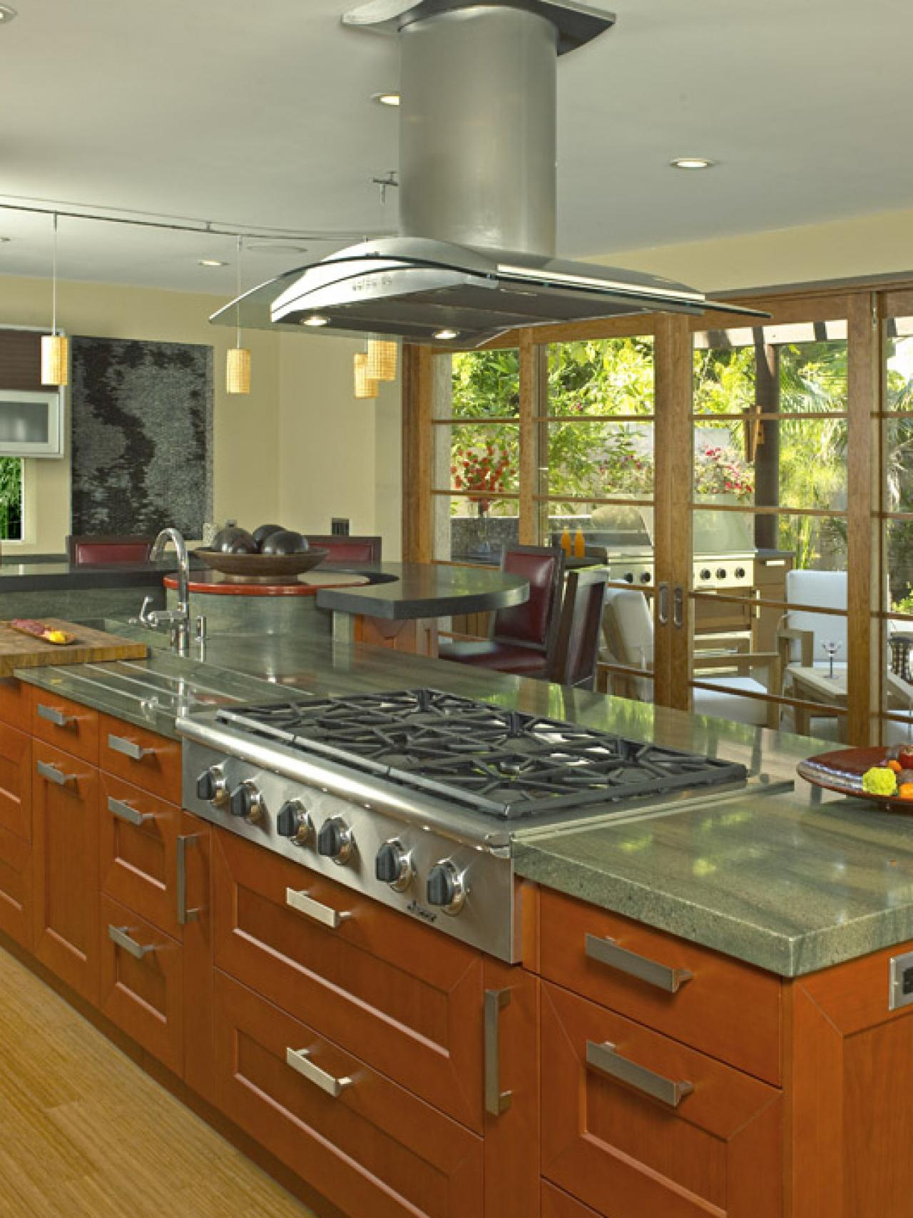 9 hot trends for today 39 s kitchens hgtv for Kitchen design 9