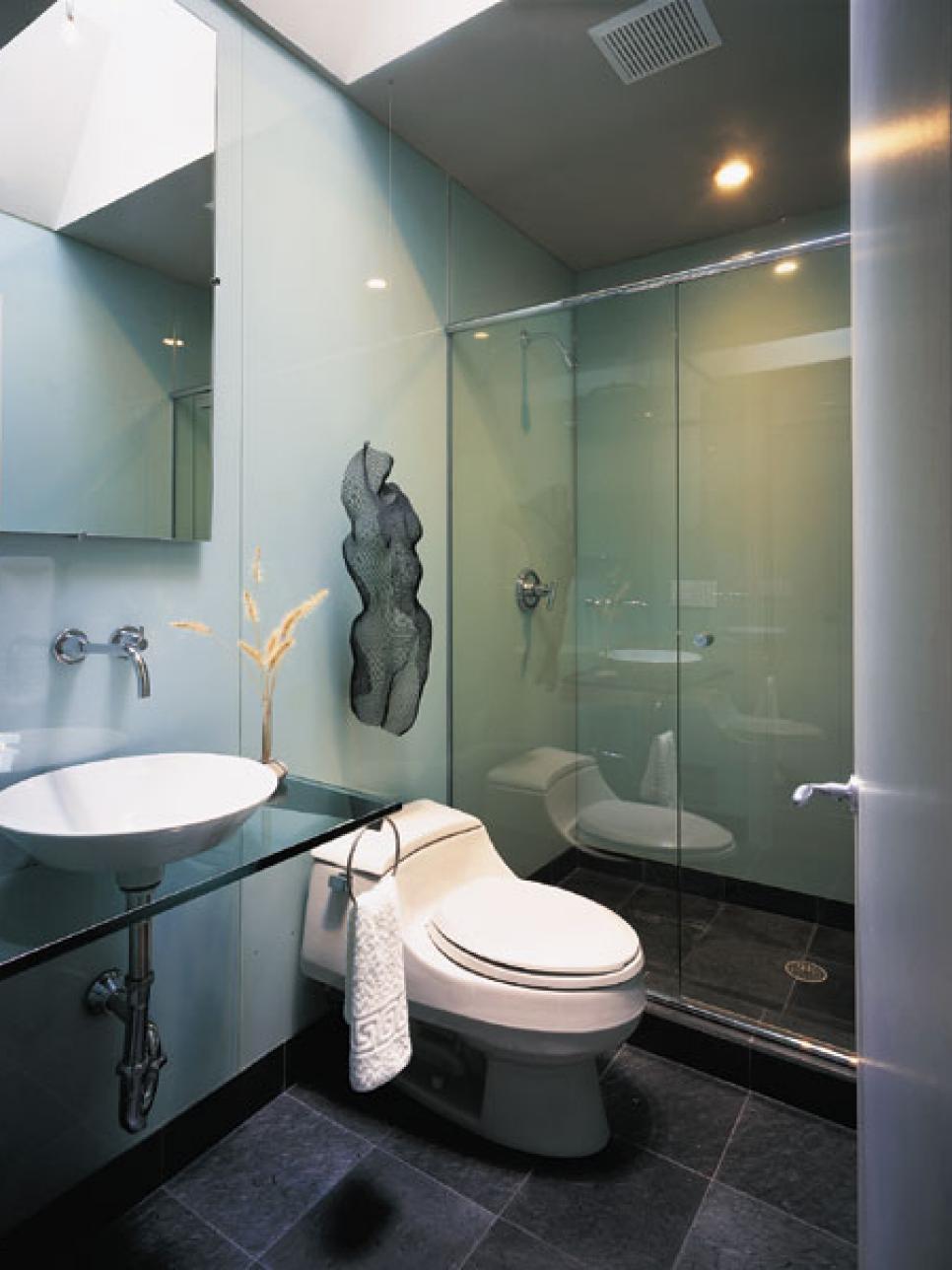 Display art like a pro hgtv for Bathrooms u like stevenage