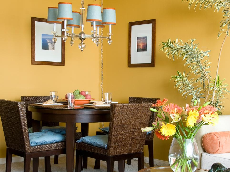 Our fave colorful dining rooms hgtv for Living dining room small space