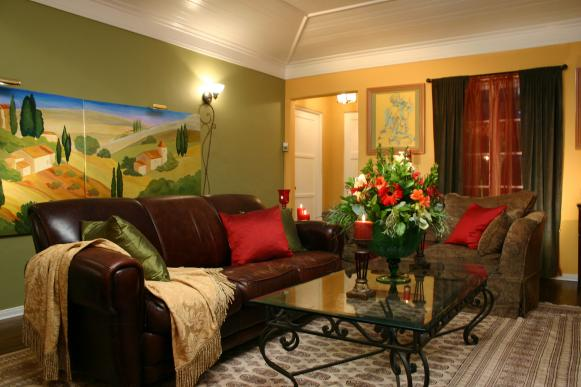 hccor-yellow-green-living-room