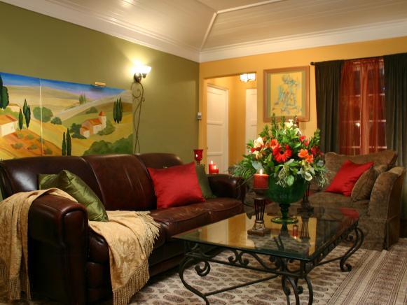 hccor-yellow-green-living-room