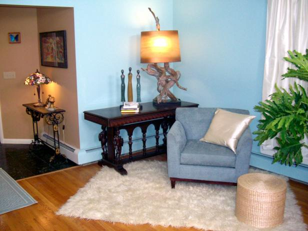 Blue Feng Shui Designed Sitting Room with Wood Lamp