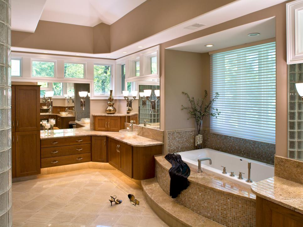 Small bathrooms big on beauty hgtv for Bathroom remodel 33411