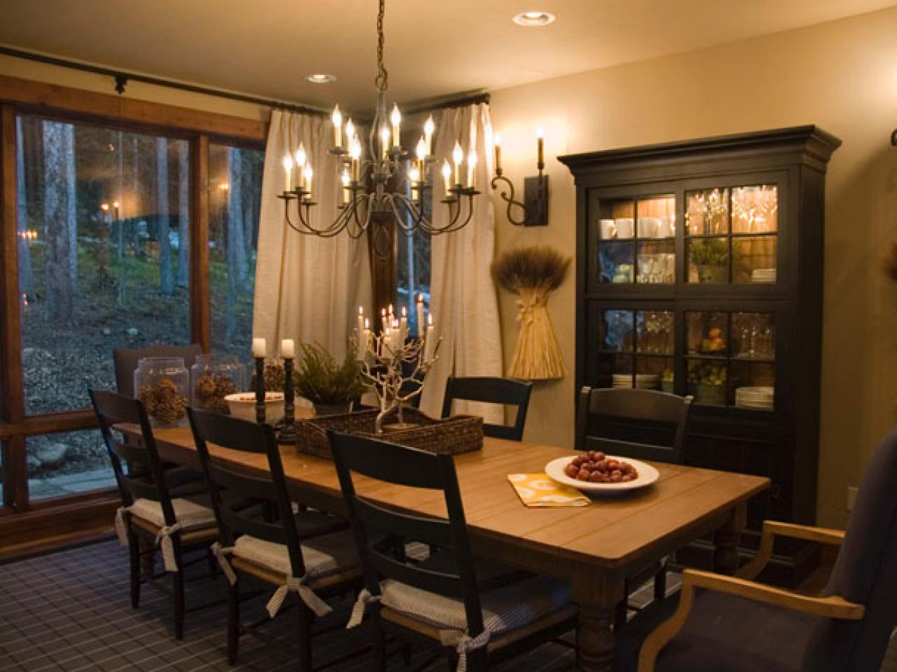 Hgtv dream home 2007 winter park co hgtv dream home for Casual dining room ideas