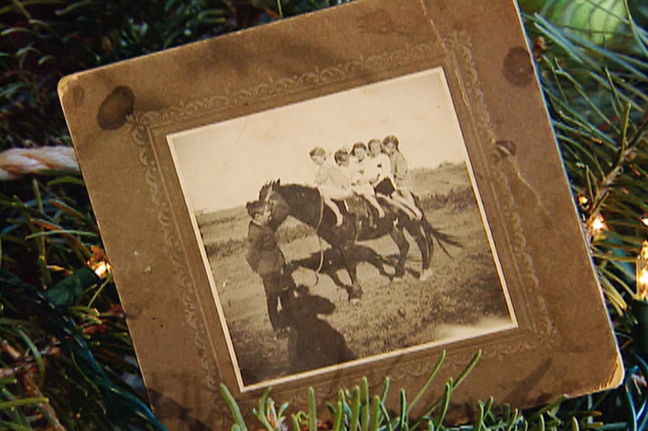 cowboy christmas decorations add western flair hgtv homemade photo frame ornaments