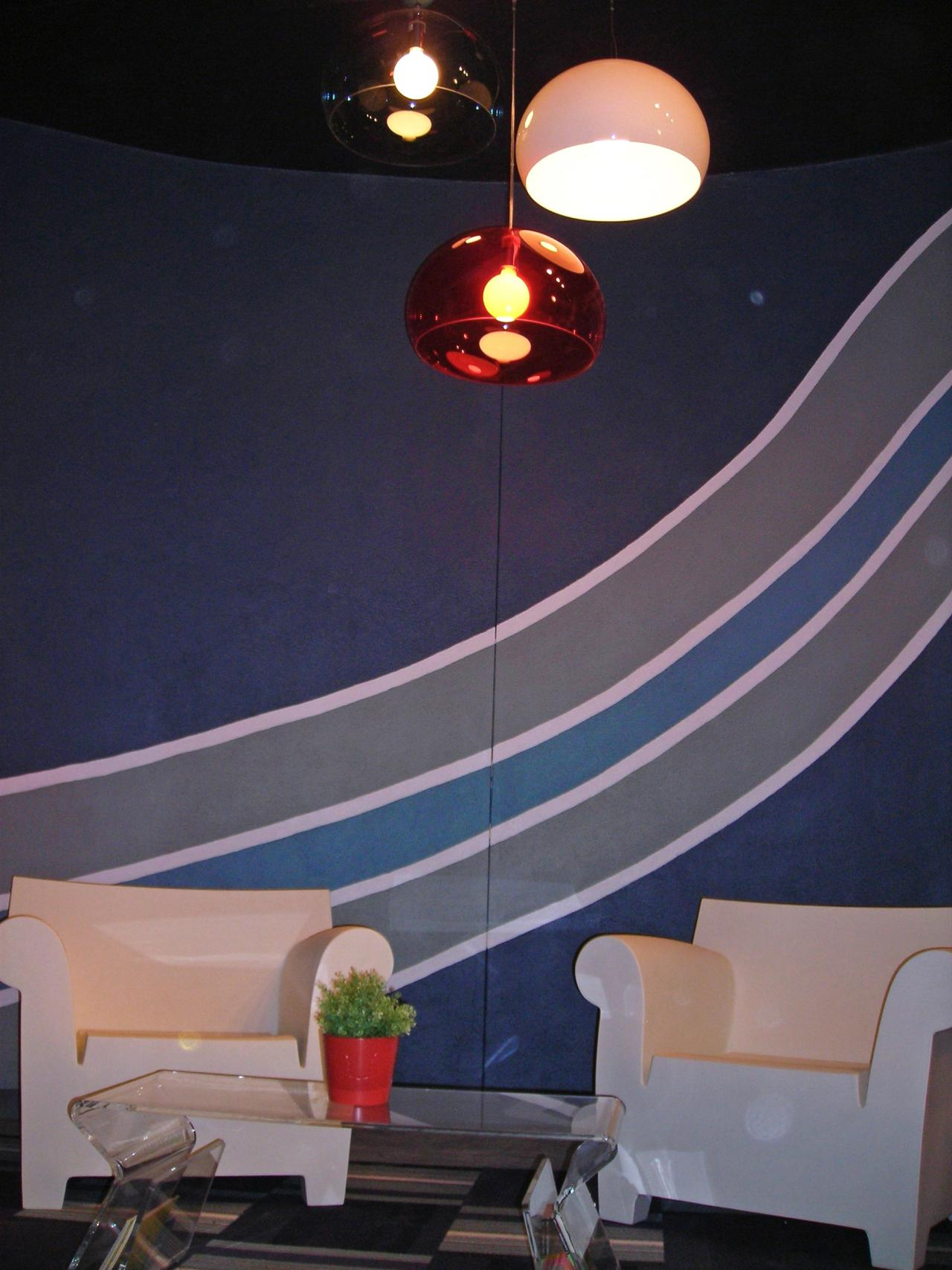 How to paint a wall mural hgtv for Best projector for mural painting
